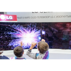Переключите реальность и оцените технологии Oled, Ultra HD И 3D вместе с LG Ultra фестивалем