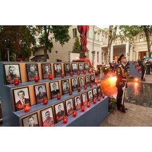 Дмитрий Святаш почтил память погибших милиционеров