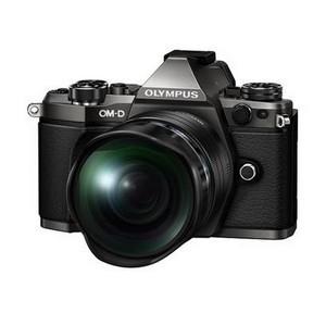 Новая беззеркальная камера OM-D E-M1 Mark II устанавливает новые стандарты скорости и мобильности