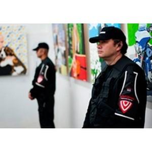 Охрана выставки, посвященной президенту России