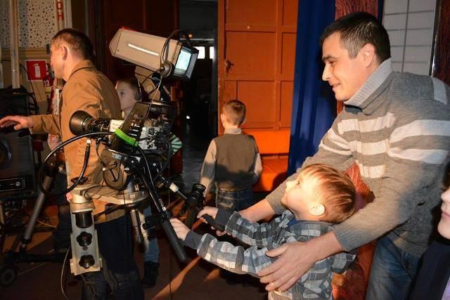 Журналисты ведущих СМИ Чувашии поделились с детьми сотрудников «Т Плюс» секретами профессии