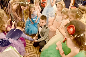 В Москве прошел рождественский бал «Детские мечты»