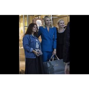 Редактор Vogue Виктория Давыдова стала обладательницей сумки от бренда Ante Kovac.