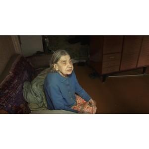 В Кирове в многоквартирном доме на пожилую женщину упал потолок