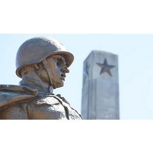 Индриков: Занимающиеся сносом советских памятников в Польше выполняют сиюминутный политический заказ