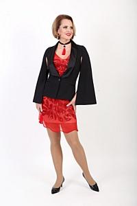 Дизайнер Елена Эланж воссоздала красное платье Надежды Ламановой для выставки «Гений в юбке»