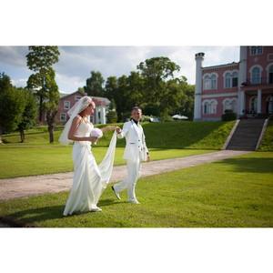 Свадьба в Риге, официальная и символическая организация, венчание