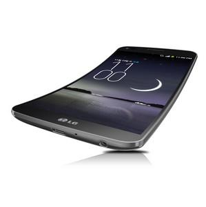 LG представляет первый в мире «по-настоящему» изогнутый смартфон