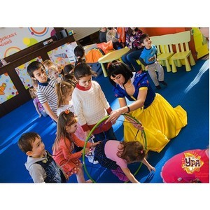 Детский клуб «Ура»: встречаем осень в ТРЦ «Аура»