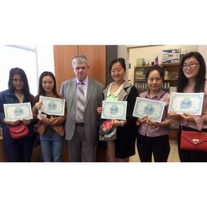 Студенты Китая и Казахстана получили сертификаты об окончании федерального университета