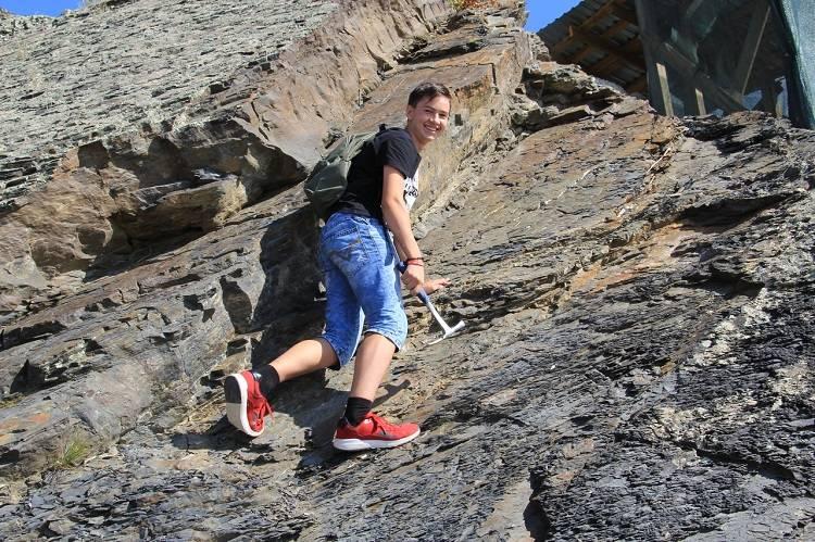 Геоартековцы познакомились с геологическими обнажениями
