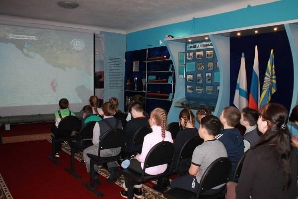 Активисты ОНФ на Камчатке проводят акцию «Детям – о защитниках Родины»