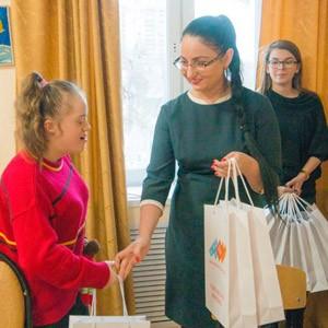 TOY RU пригласил в гости подопечных благотворительного фонда Арифметика добра