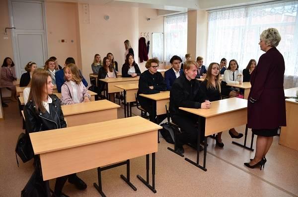 Активисты ОНФ провели акцию «Урок России» в школах Петропавловска-Камчатского