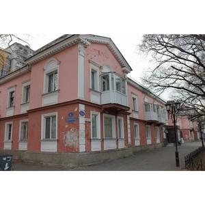Активисты ОНФ держат на контроле капитальный ремонт многоквартирного дома в центре Благовещенска