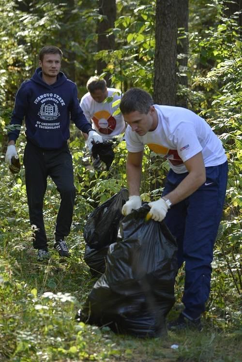 Всемирный день чистоты в Иванове: экологический десант в сосновом лесу