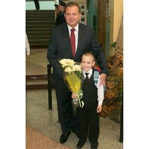 Виктор Павленко поздравляет архангельских педагогов с Днем Учителя