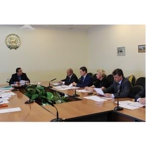 На заседании Республиканской трехсторонней комиссии обсудили ход выполнения отраслевого соглашения