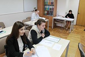 Евгений Лебедев принял экзамен у выпускников «Высшей школы государственного управления»