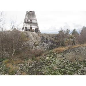 После сигнала ОНФ в Карелии ликвидирована опасная свалка аккумуляторов на острове в Ладожском озере