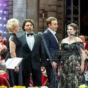 В День республики БФ «Сафмар» Михаила Гуцериева подарил жителям Хакасии концерт звезд оперной сцены