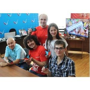 Участники «Молодежки ОНФ» в КБР поздравили учителей с профессиональным праздником