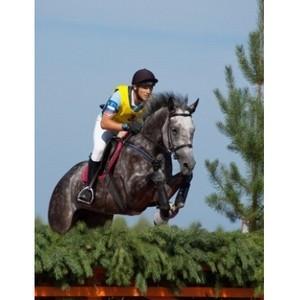 R.O.C.S. поддержал соревнования по конному троеборию