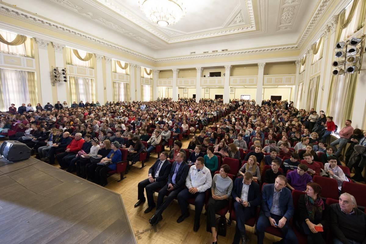 Снова аншлаг: более 10 000 абитуриентов сегодня познакомились с университетом