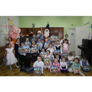 Сотрудники Удмуртэнерго провели «Самые яркие ёлки» в детских домах Удмуртии