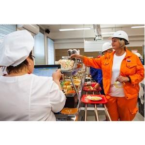 """ПНТЗ и компания """"Кейтеринбург"""" открыли столовую стоимостью 15 млн рублей"""