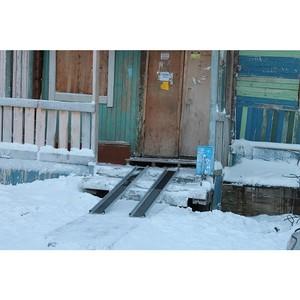 Активисты ОНФ в Ямало-Ненецком округе помогли инвалиду-колясочнику получить накладной пандус