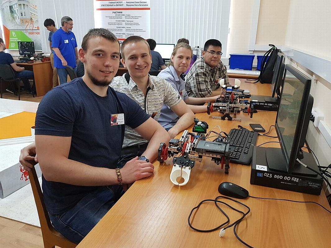 Студенты Новоуральского технологического института НИЯУ МИФИ на межвузовском чемпионате WorldSkills