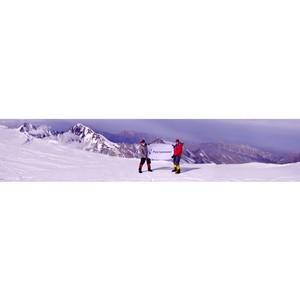 Флаг «Ростелекома» на вершине Казбека
