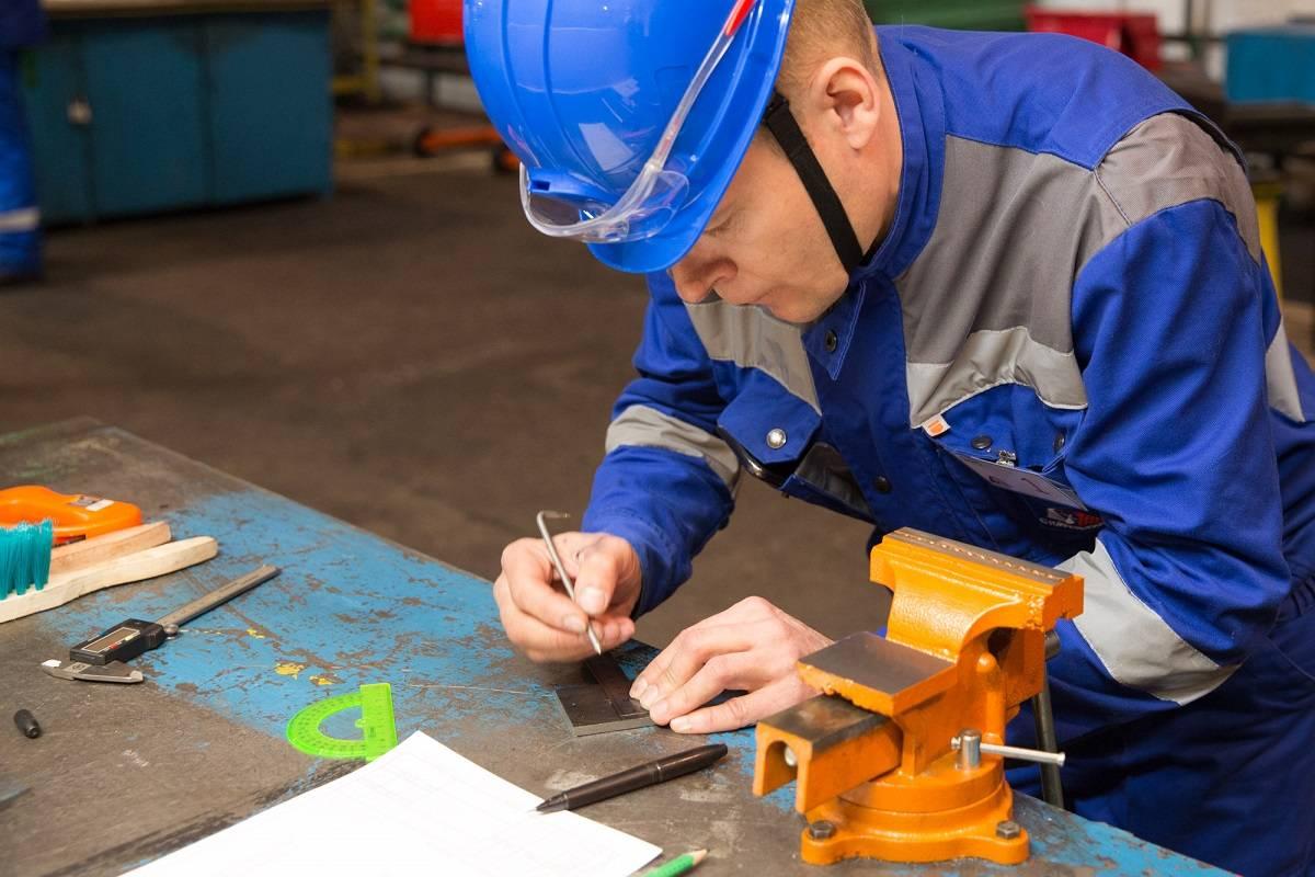 На Стойленском ГОКе выбрали лучшего слесаря по ремонту оборудования