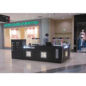 В ТРЦ «Аура» открылся бутик эксклюзивных украшений UNOde50