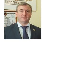 Губернатор Самарской области наградил директора филиала компании Росгосстрах именными часами