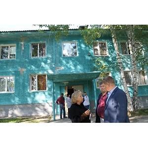 ОНФ в Югре держит на контроле ликвидацию недочетов капремонта дома в поселке Белый Яр