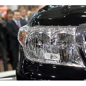 """ќЌ' считает недопустимым закупку авто премиум-класса """"ел¤бинским областным судом"""