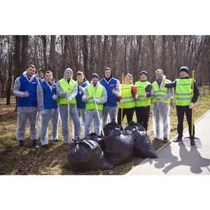 Сотрудники гипермаркета «К-раута» приняли участие в благоустройстве городского парка Тулы