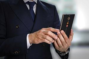 Семья Lamborghini представила новый смартфон ALPHA · ONE за 119 000 рублей