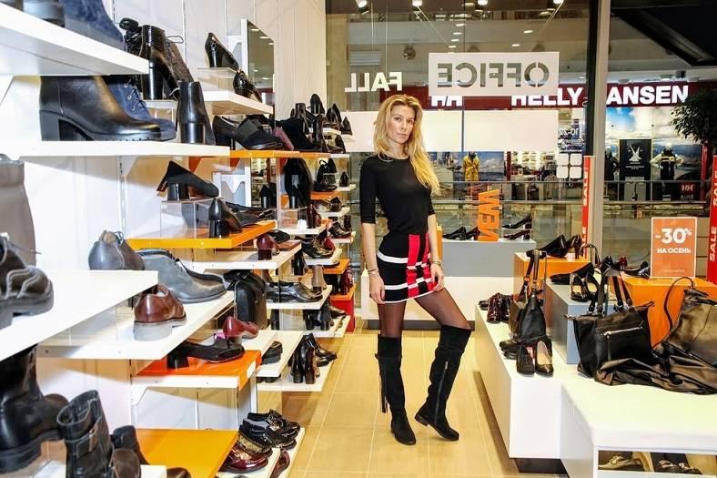 Дарья Погодина предпочитает элегантный стиль одежды.