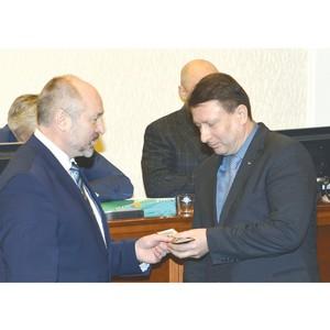 Олег Лавричев принял присягу депутата нижегородского Заксобрания