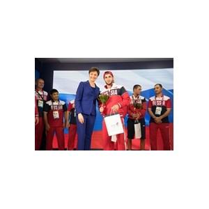 Борец из Санкт-Петербурга получил медаль в Баку