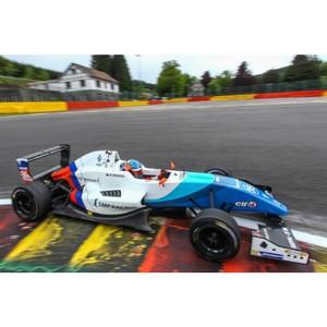 Пилот SMP Racing Матевос Исаакян занял шестое место в первой гонке этапа Eurocup Formula Renault 2.0