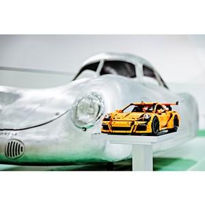 C������� Porsche �� LEGO� Technic �������� � ������ ��� ��������� Pro-Vision