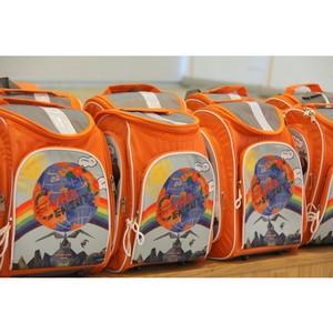 20 первоклассников получили в подарок школьные рюкзаки от предприятия «Липецкцемент»