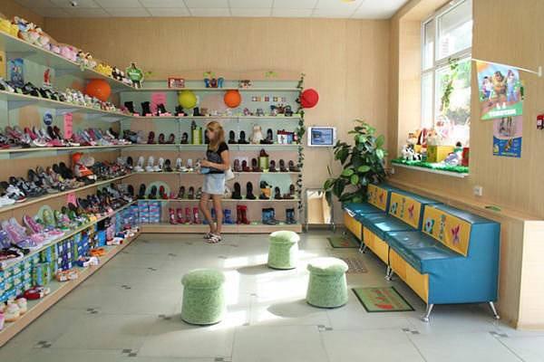 Оборудование магазина детской обуви