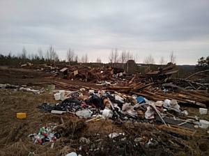 Кировские активисты ОНФ добиваются ликвидации свалки с опасными отходами на берегу реки