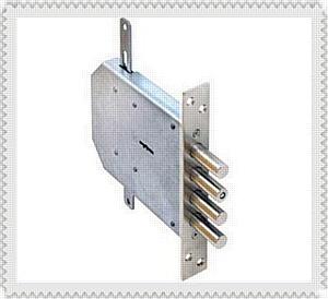 Замена дверных замков в металлической двери