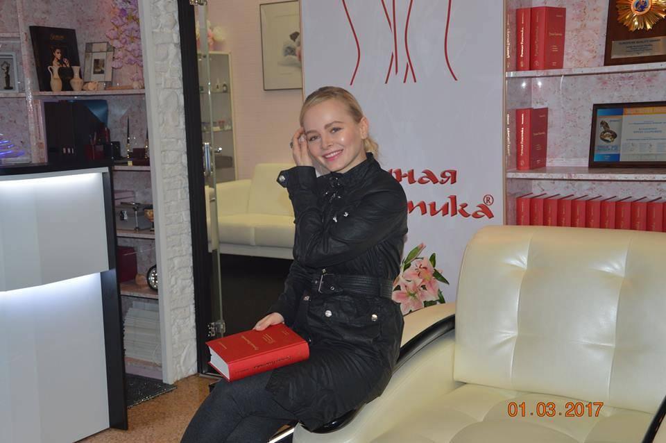 """Победительница шоу """"Холостяк"""" раскрыла секреты метода Ручной Пластики"""